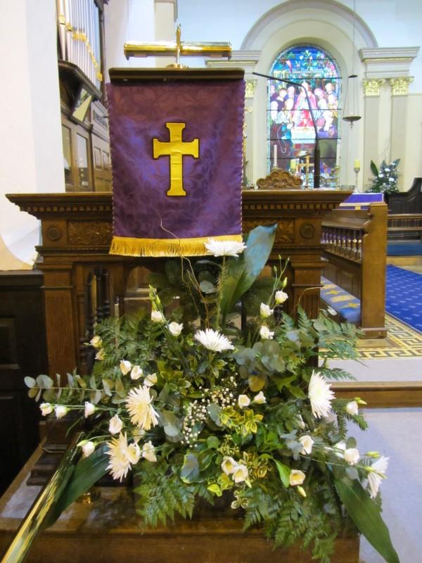 How to Arrange Church Altar Flowers | eHow.com